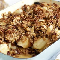 Wheat apple oats crumble